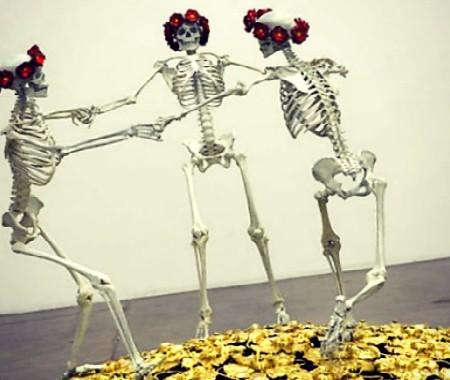 liz.craft.dancing skeletonsxpst